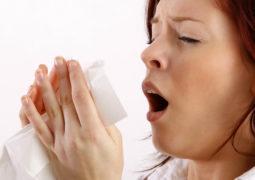 العطس يجنبك مواجهة مشكلات صحية خطيرة