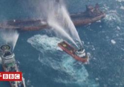 """حادث الناقلة الإيرانية """"سانتشي"""": فريق الإنقاذ ينتشل الصندوق الأسود مع استمرار الحريق"""