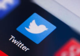 تويتر يغلق 1000 حساب روسي