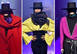 مارك جايكوبز يستهل عرضه بأغطية رأس غريبة في أسبوع نيويورك للأزياء