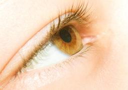 8 مشاكل صحية تخبرك بها عيناك