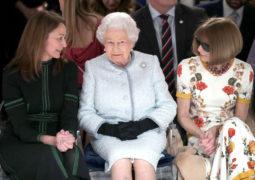 لأول مرة.. الملكة إليزابيث في أسبوع الموضة لأول مرة