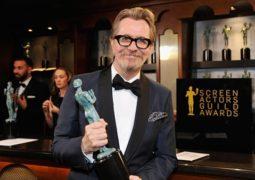 جارى أولدمان يفوز بجائزة أوسكار أفضل ممثل