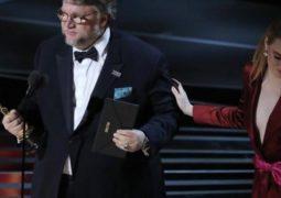 جييرمو ديل تورو يفوز بجائزة أوسكار أفضل مخرج