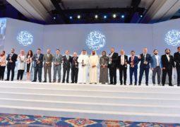"""محمد بن راشد يكرّم الفائزين بـ """"جائزة الصحافة العربية"""""""