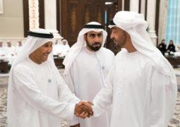 محمد بن زايد يستقبل المواطنين المهنئين بشهر رمضان المبارك