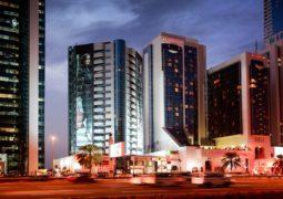 استمتعوا بأروع السهرات الرمضانية في مطعم التنور، فندق كراون بلازا دبي