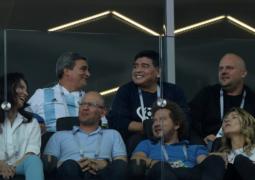 """مارادونا يحذّر سامباولي """"من العودة إلى الأرجنتين"""""""