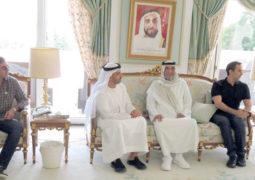 رئيس الدولة يستقبل حامد وعمر بن زايد ومحمد بن خليفة بمقر إقامته في إيفيان