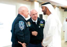 """رائدا الفضاء  """" الأخوان كيلي """"  يؤكدان من أبوظبي : اقامة فندق فضائي ورحلات الى المريخ"""