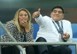 مارادونا يتزوج امرأة تصغره بـ 30 عاما