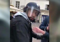 استجواب ثلاثة من الشرطة الفرنسية بعد تسريب فيديو عنيف لمساعد ماكرون