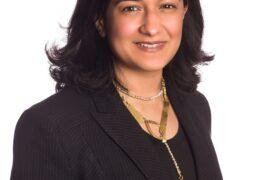 نجلاء المدفع، المدير التنفيذي لمركز الشارقة لريادة الأعمال (شراع) يوم المرأة الإماراتية