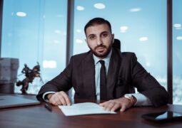 الخبير المالي أشرف محمود: العقل البشري انتصر على أزمة كوفيد 19